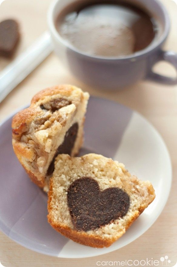 """#Muffins de pera y #nueces con """"corazón"""" de chocolate ♥ de @caramel cookie"""