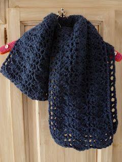 Karin aan de haak: Toch nog een sjaal gehaakt...