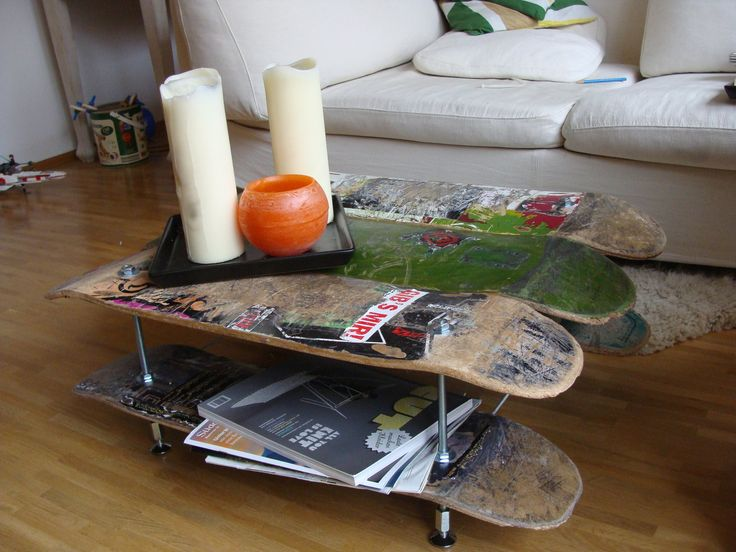 Skateboard chair, Skateboard furniture. DIY, alte Decks, Gewindestangen und fertig!