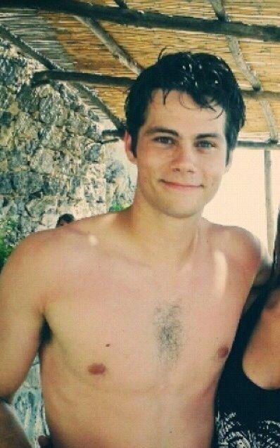 Dylan O'Brien #shirtlesss http://www.gaycelebritygossip.com/dylan-obrien-gay-straight/