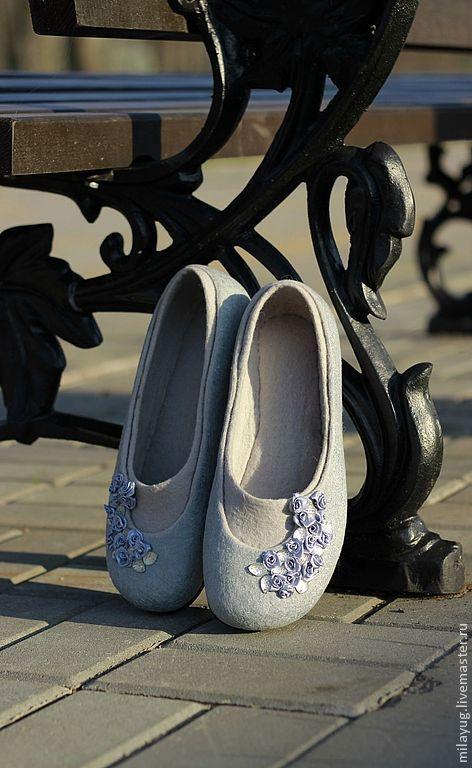 """Купить """"Silver Rain"""" валяные туфельки-балетки из шерсти - серебряный, серый, цветы, розы, розочки"""