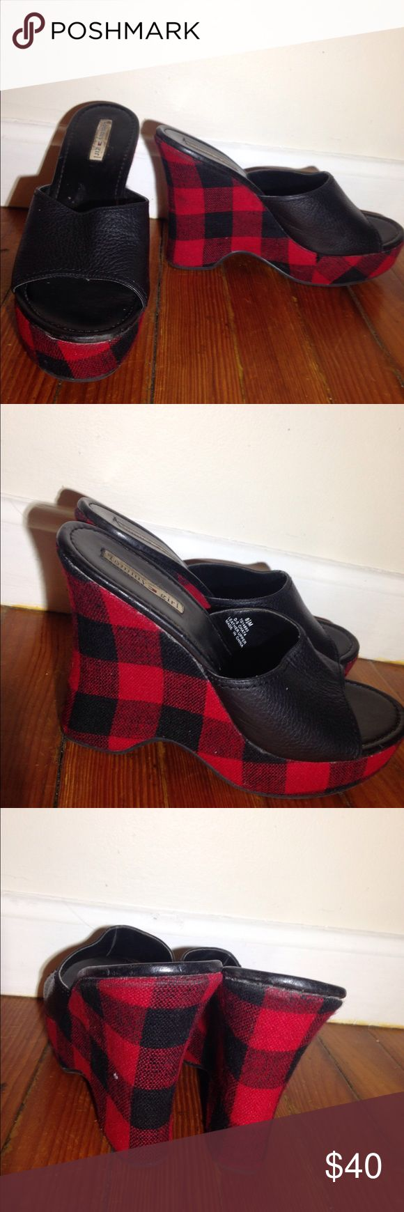 Tommy Hilfiger heels size 8.5 Size 8.5 Tommy Girl Wedge heels w plaid pattern red and black ! Excellent condition ! Super cute for formal casual events parties dinners work office after work wear spring summer fall winter Tommy Hilfiger Shoes Heels