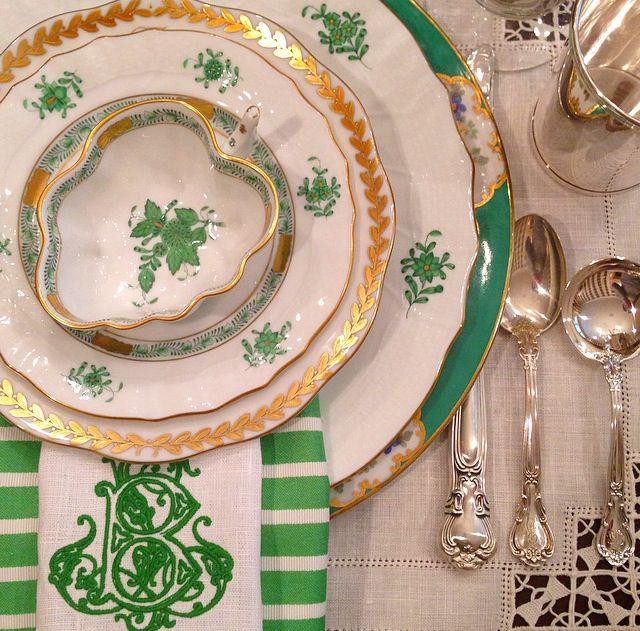 green herend place setting st patricks day table gold laurel vintage spode copeland monogram napkin