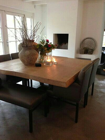 Toller Esstisch mit Kamin