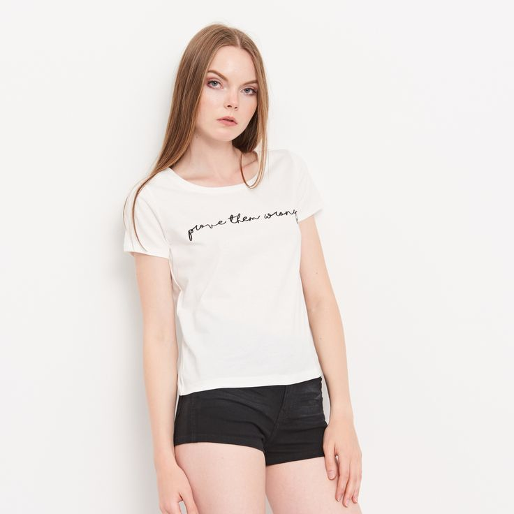 http://www.reserved.com/pl/pl/woman/newseason/recommended/ov909-01x/ladies-t-shirt