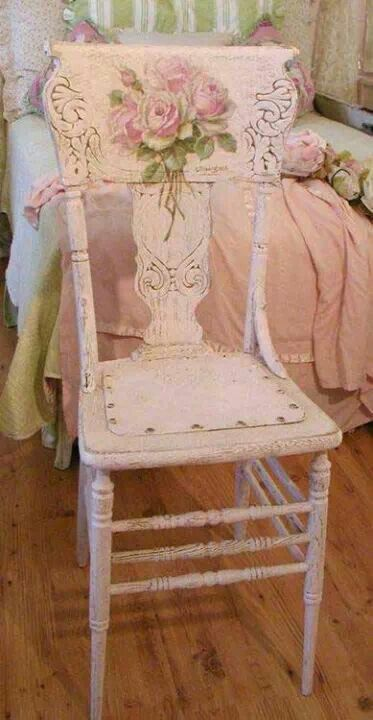 1000 Images About How To Shabby Chic Furniture On Pinterest How To Distress Furniture Miss