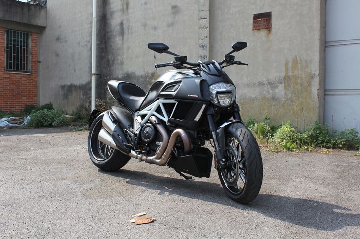 Ducati Diavel 2014