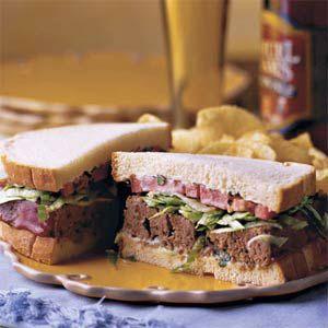 Σάντουϊτς με κρέας και μπλε τυρί