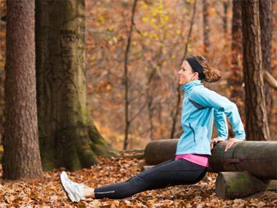 1. 생리주기는 여성의 신진대사 상태와 트레이닝 결과에 엄청난 영향을 미칩니다. 2. 난포기(follicular phase) 시기에는 집중적으로 운동을 해야할 시기입니다. 지구력과 운동강도를 높은 수준으로 끌어올리세요. 3. 인슐린 감수성이 증가하는 시기에는 탄수화물을 더 많이 태우게 됩니다. 4. 배란기에는 높은 에스트로겐 레벨으로 인해 부상의 위험이 높습니다. 5. 황체기에는 여성의 신체가 지방을 태움으로써 에너지를 얻으..