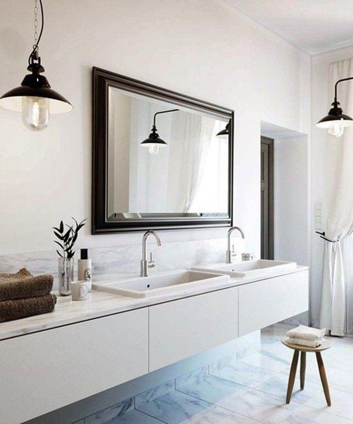Bathroom Palette: black & white - white interior with black mirror frame and black lamps. [Selection of bathroom images depending on colour shades] ITA: Il bagno in bianco e nero - galleria di immagini