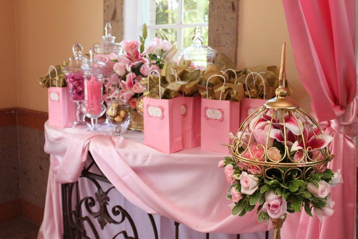 a mesa das lembranças: Birthday Parties, Disney Princesses, Favors Bags, Princesses Favors, Parties Ideas, Princesses Parties, Favors Tables, Party Ideas, Baby Shower