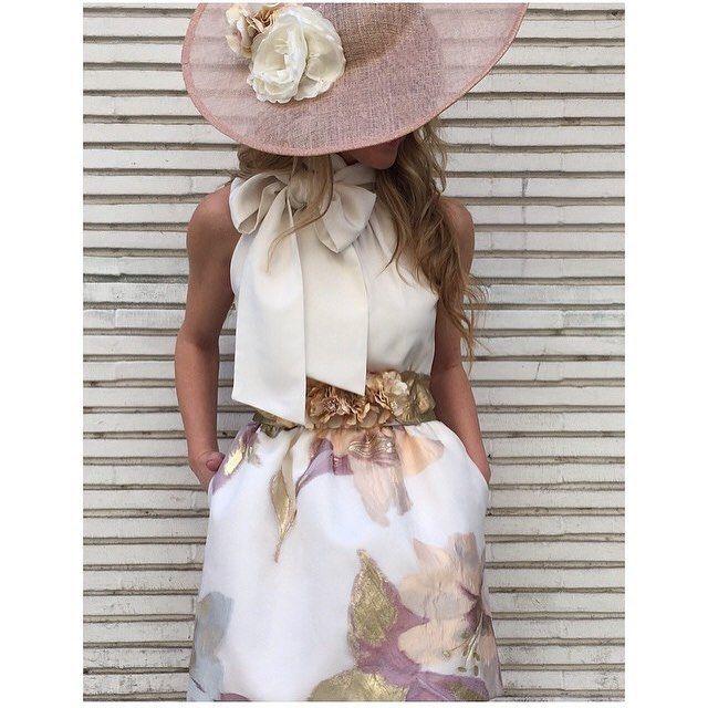 #invitadasperfectas gracias a @tacatucazaragoza , no os parece?  #invitada #invitadas #invitadaboda #boda #bodas #tocado #tocados #falda #pamela #blusa #cinturon #weddings #weddings #weddingguest #guest #moda #fashion #zaragoza #style #stylish #instacool #pamela #headdress #invitadaperfecta #invitadaconestilo #lookboda #elegancia #elegante