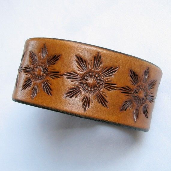 Antiqued Saddletan Leather Wristband