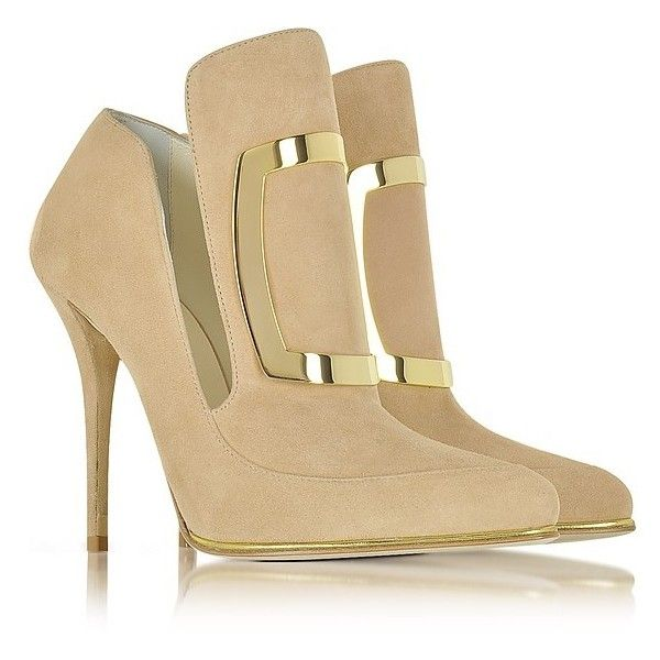 Balmain Shoes Desiree Beige Soft Suede Pump (€465) ❤ liked on Polyvore featuring shoes, pumps, suede pointed toe pumps, beige suede pumps, suede shoes, slip-on shoes and slip on shoes