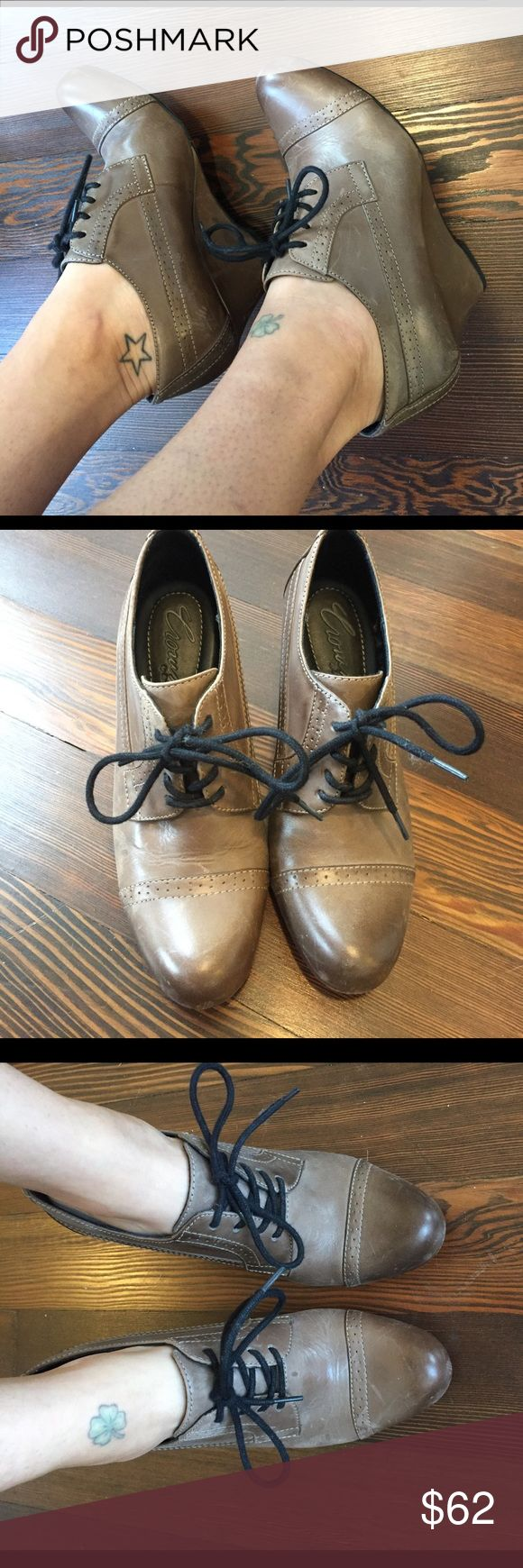 Crown by Born oxford wedge Classic. Beautiful. Comfortable. Leather. This is the best way to describe these lovely shoes. Only worn a few times. Light wear on the soles. Some scuffing on the shoe (a nice polish should do the trick), otherwise in great condition. Size 6.5/37 Born Shoes Wedges
