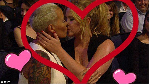Amber Rose's girl-on-girl kiss at MTV Movie Awards, complete winners list