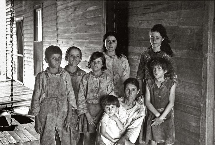 Frank Tengle family, Hale County, Alabama. Sharecroppers - Walker Evans, Let Us Now Praise Famous Men