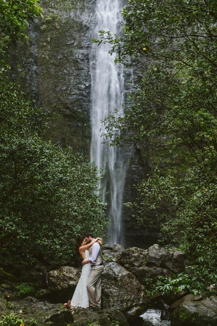 Kauai Hawaii Hanakapiai waterfall elopement hike in