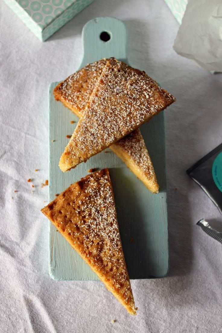 Pistachio: Ciasteczka shortbread czyli czas na herbatę i na podróż.