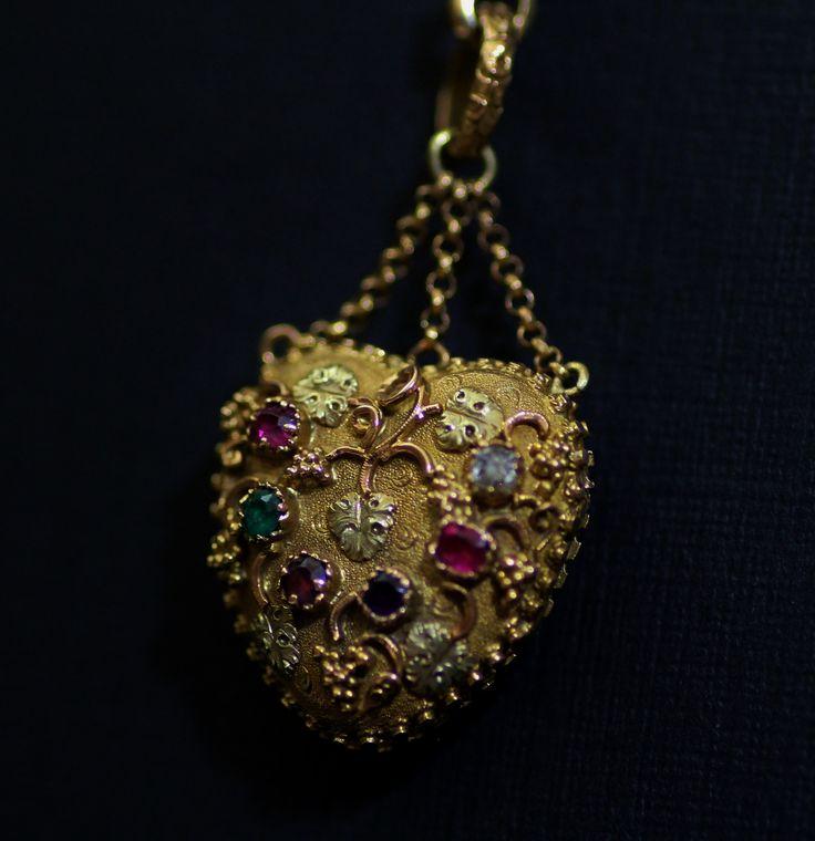 REGARD Gold locket pendant circa 1820 (C)Regard Co.,Ltd