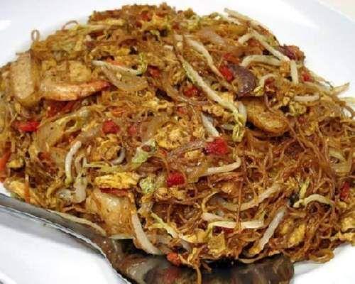 Shoonyin Home cooking: Fried Mee Sua (Wheat Rice Noodles)