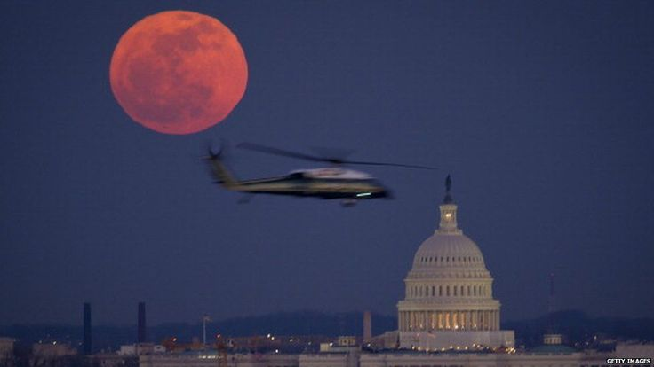Full moons are just as likely to be red
