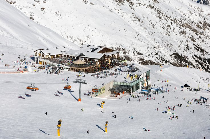 High quality photos from the great ski resort Sölden in Austria. See more photos at http://www.skiferietips.dk/oestrig/soelden