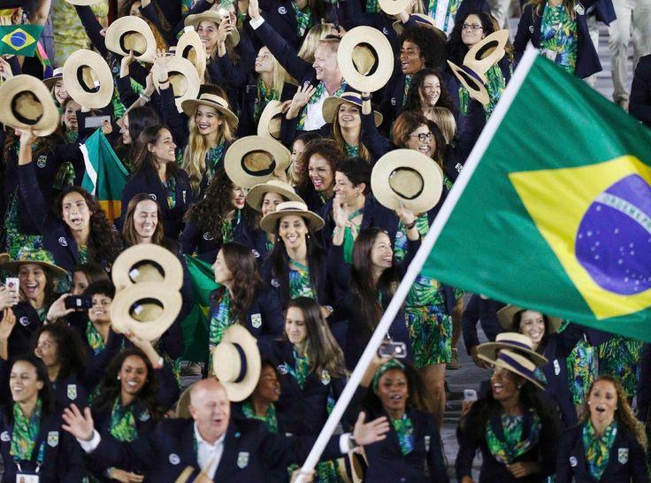 Cerimônia de abertura da Olimpíada - 5/8/2016 Atletas brasileiros entraram no gramado do Maracanã fazendo muita festaimagem: STOYAN NENOV/REUTERS
