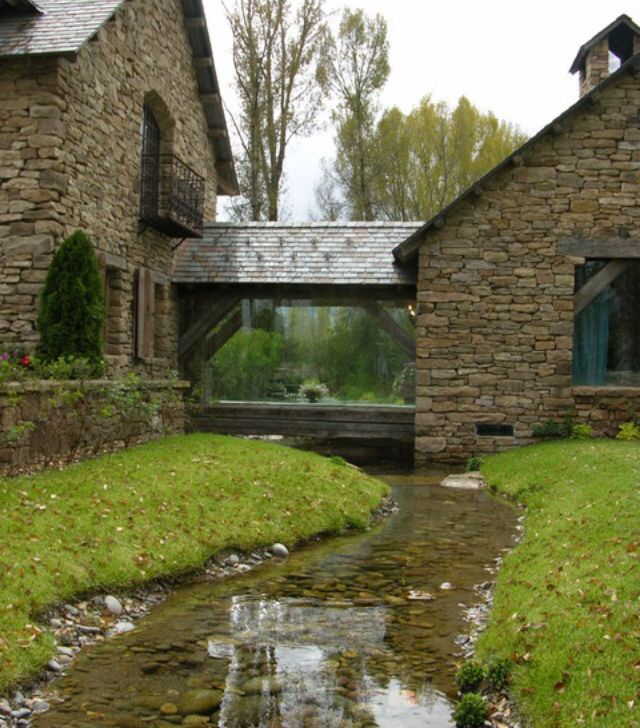 25 Best Images About River Rock Houses On Pinterest