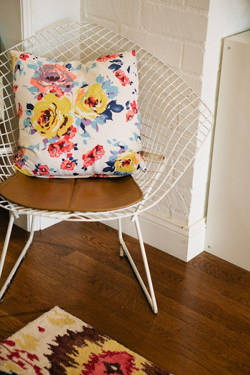 11carlisle: Bertoia Chairs, Floral Pillows, Floral Prints, Moroccan Bedrooms, Flowers Pillows, Home Paintings Colors, Floral Cushions, Awesome Chairs, Big Girls Bedrooms