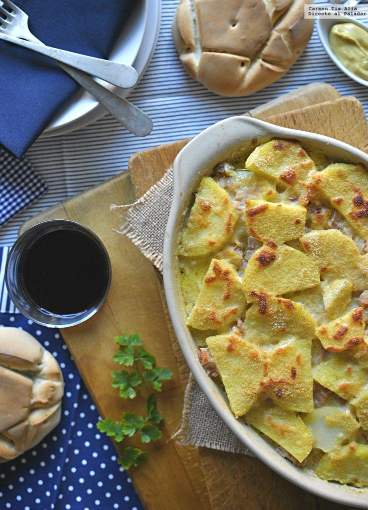 Pastel de patata, jamón y queso.
