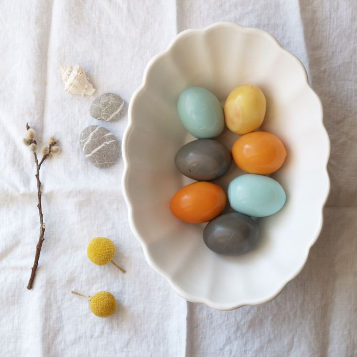 Natural Dyes for Easter Eggs - wonderful!