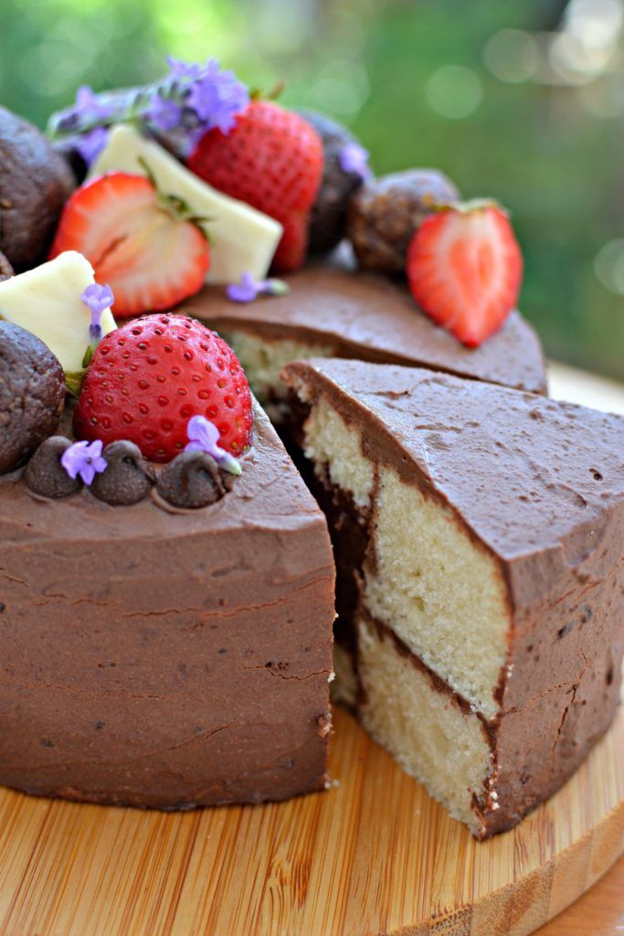 Vegan Chocolate Lava Layer Cake | http://www.radiantrachels.com/vegan-chocolate-lava-layer-cake/