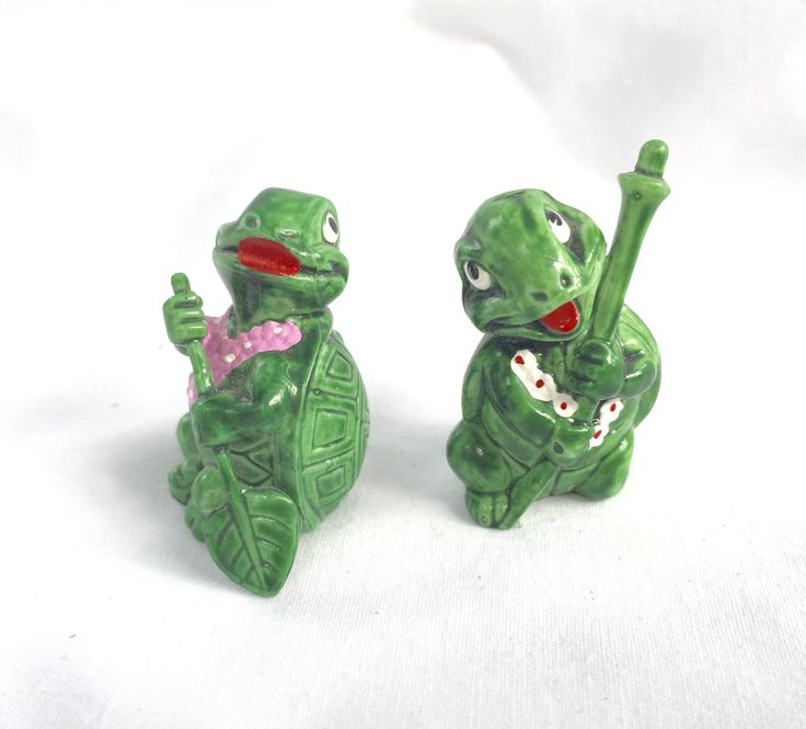 Vintage Green Frogs Miniature Frogs ferrero 1993 two mini figurines by StudioVintage on Etsy