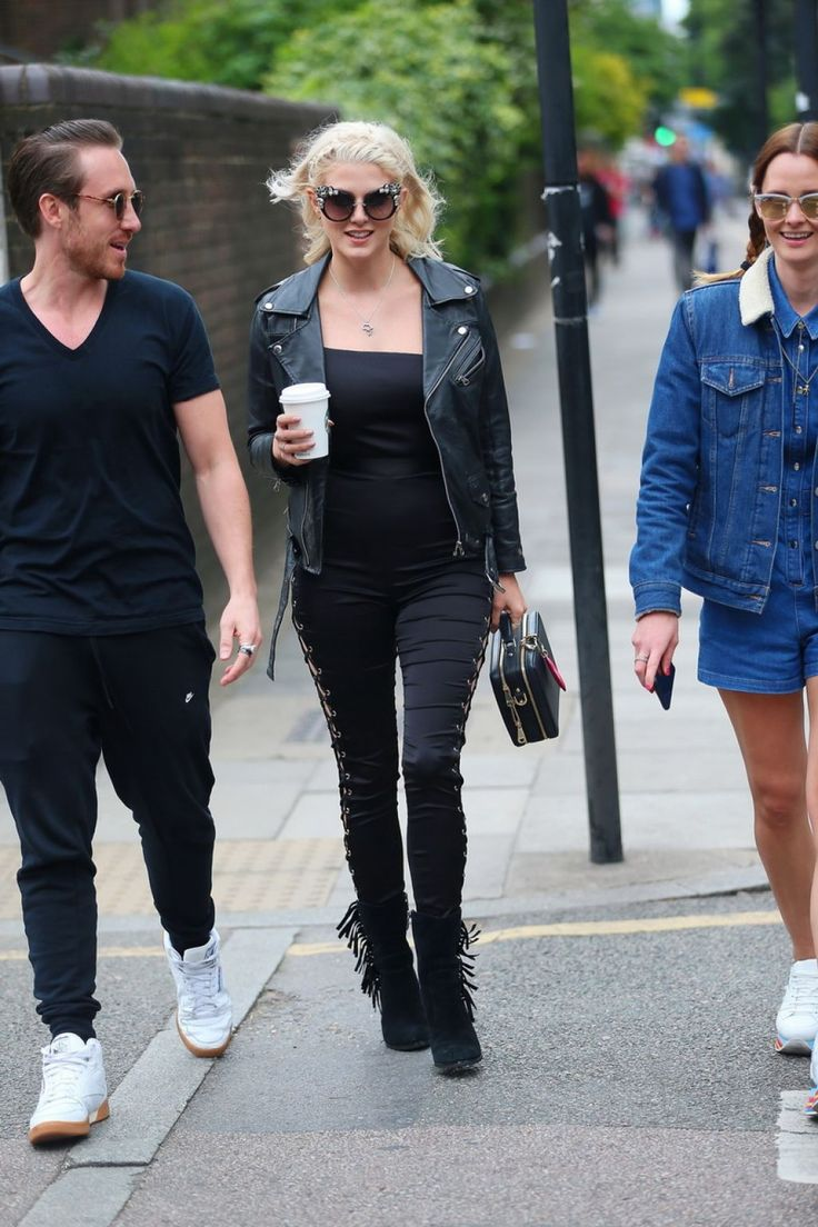 #AshleyJames, #London Ashley James and Charlotte de Carle - Mighty Hoopla Festival, Victoria Park in London 06/04/2017 | Celebrity Uncensored! Read more: http://celxxx.com/2017/06/ashley-james-and-charlotte-de-carle-mighty-hoopla-festival-victoria-park-in-london-06042017/