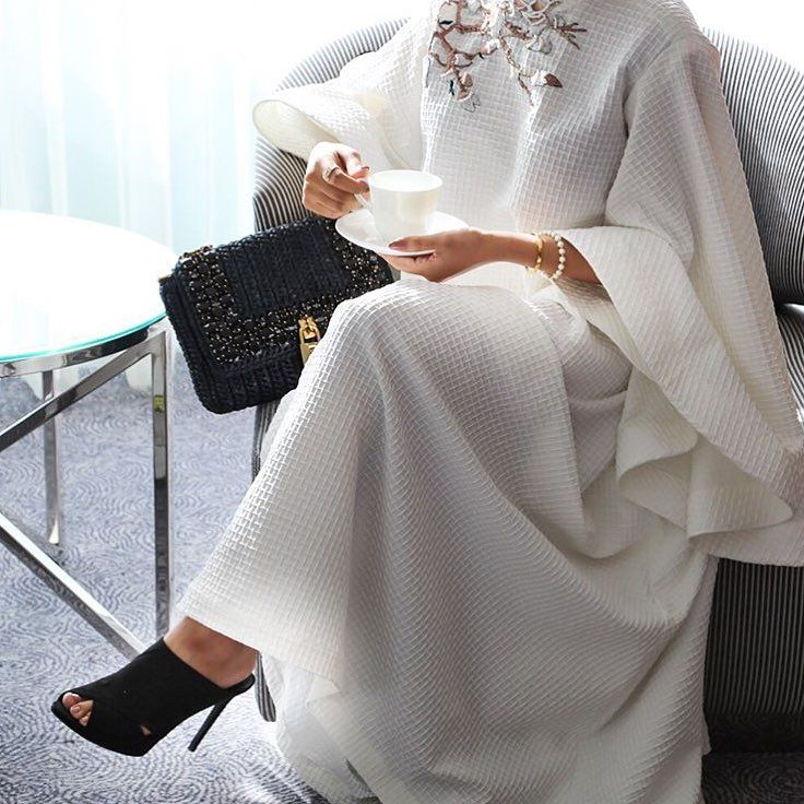 IG: Falooosha || IG: BeautiifulinBlack || Abaya Fashion ||