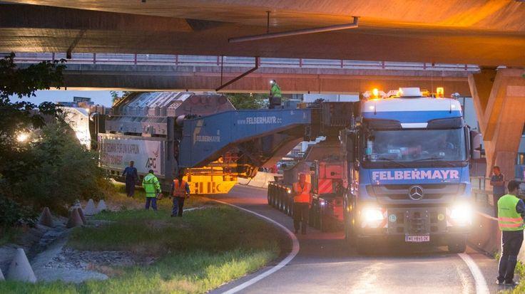 http://cdn.salzburg.com/nachrichten/uploads/pics/2015-07/orginal/schwertransport-rattert-mit-590-tonnen-durch-den-pinzgau-41-59347607.jpg