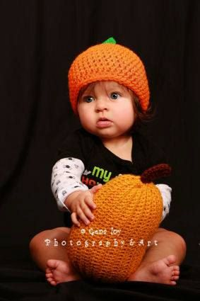 Crocheted Pumpkins, the perfect fall decoration!! - pinned by pin4etsy.com