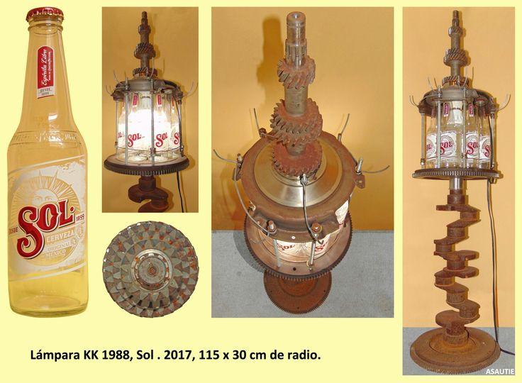 Piezas del #Lada 2101, cigüeñal de otro auto y botellas de cerveza #Sol, forman #lámpara #art #nature #recycle