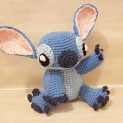Patrón: http://www.amigurumipatterns.net/Cartoons-and-Games/Stitch/