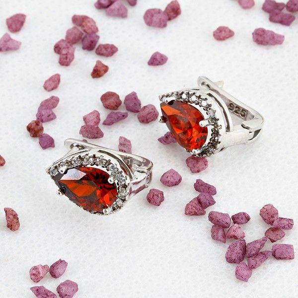 Gümüş Küpe - Damla şeklinde kırmızı zirkon taşlı gümüş küpe