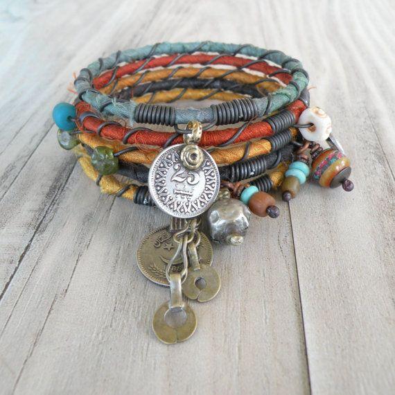 Silk Road Bangle Stack, bracciale tribale Gypsy Set, Sari seta gioielli, braccialetti colorati fatti a mano  Set di 5 Bracciali bohemien a mano in