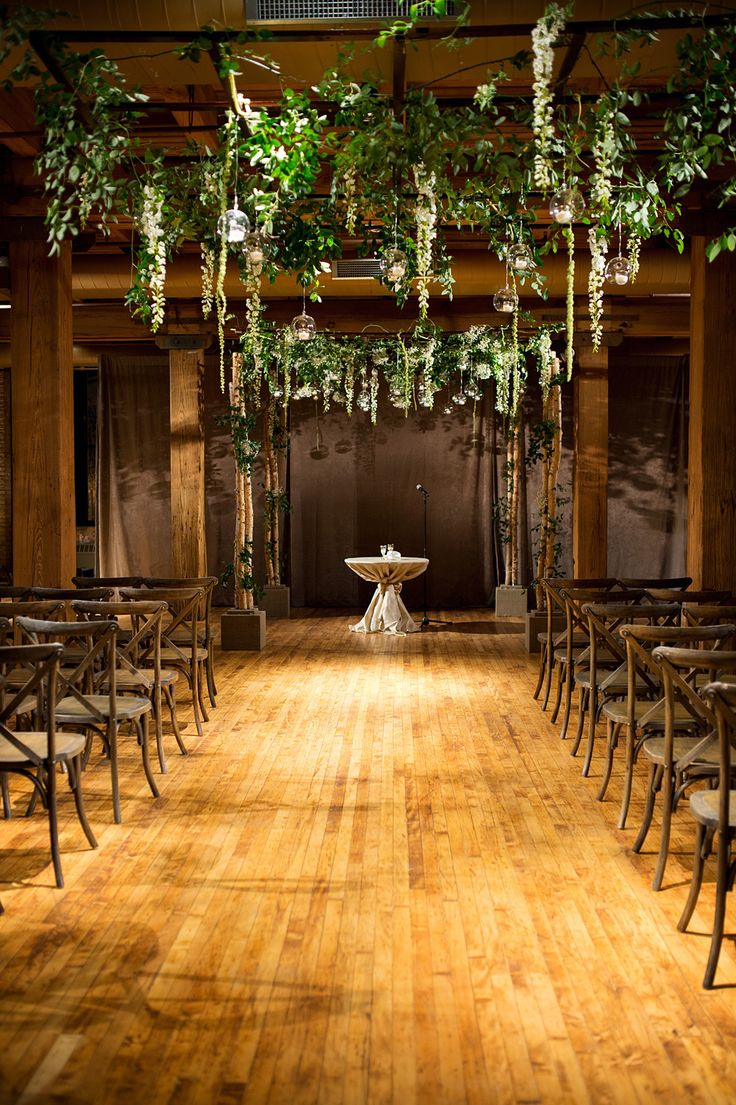 Photography: Julia Franzosa Photography - www.julia-franzosa.com  Read More: http://www.stylemepretty.com/2014/06/19/elegant-chicago-wedding-at-bridgeport-art-center-sculpture-garden/