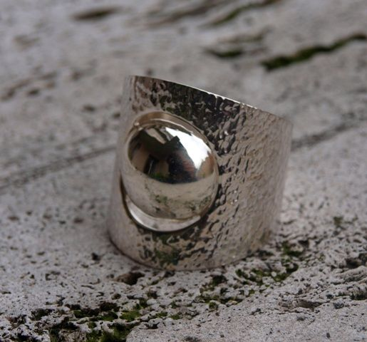 Le Metissage   Silver ring with round