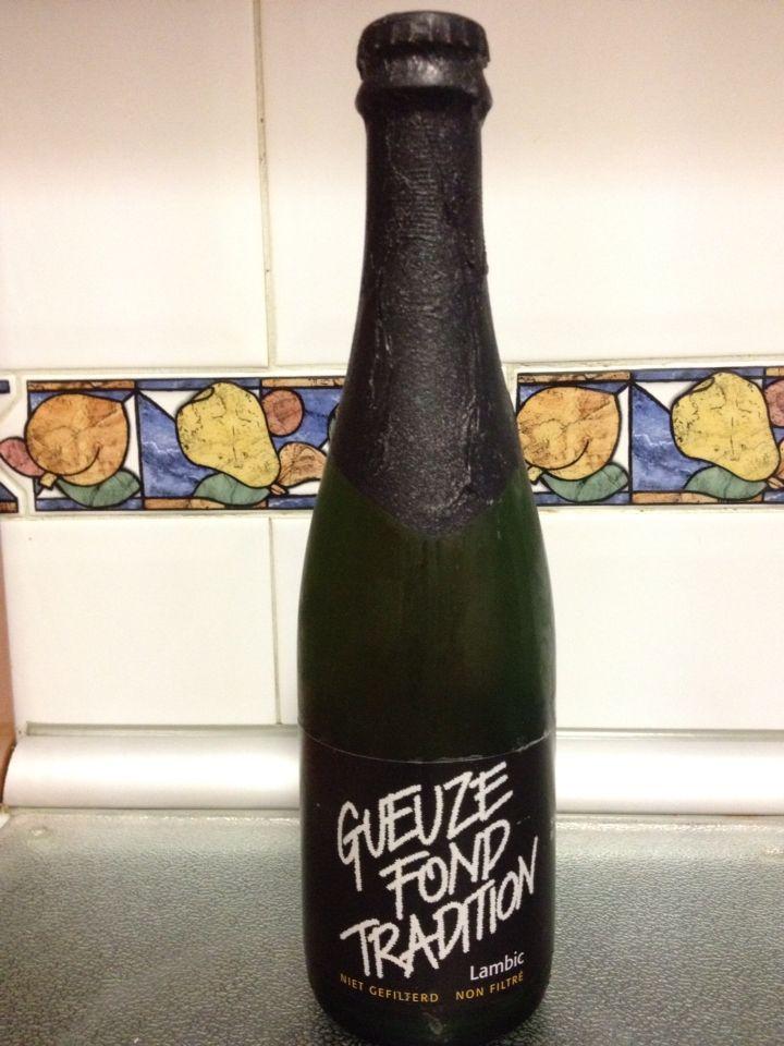 Gueuze fond tradition 5% St Louis - Una lambic muy correcta ácida pero no extrema, le falta un poco de aroma