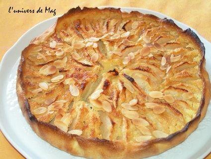 Tarte aux pommes normande Ajouter un peu d'extrait d'amande Attention cuisson : + 20-25' pour que le fond soit bien cuit....