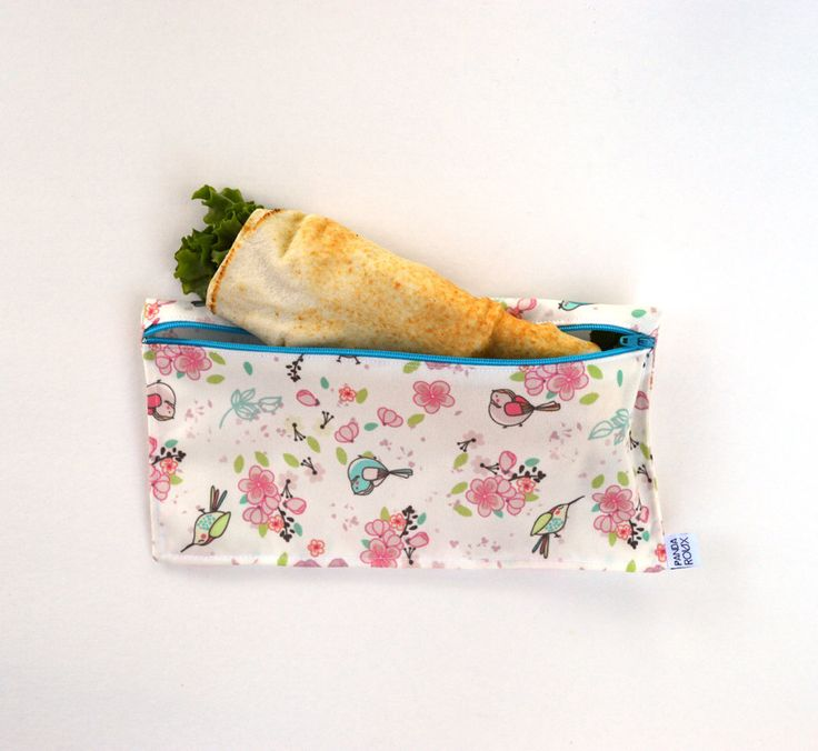 Reusable pita/wrap bag - Birds - Sac à pita/wrap réutilisable par CreationsPandaRoux sur Etsy https://www.etsy.com/ca-fr/listing/547534061/reusable-pitawrap-bag-birds-sac-a