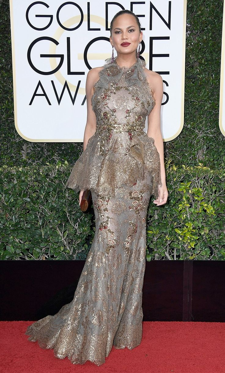Крисси Тейген в Marchesa на церемонии вручения наград премии «Золотой глобус» в Лос-Анджелесе, 08 января 2017 г.