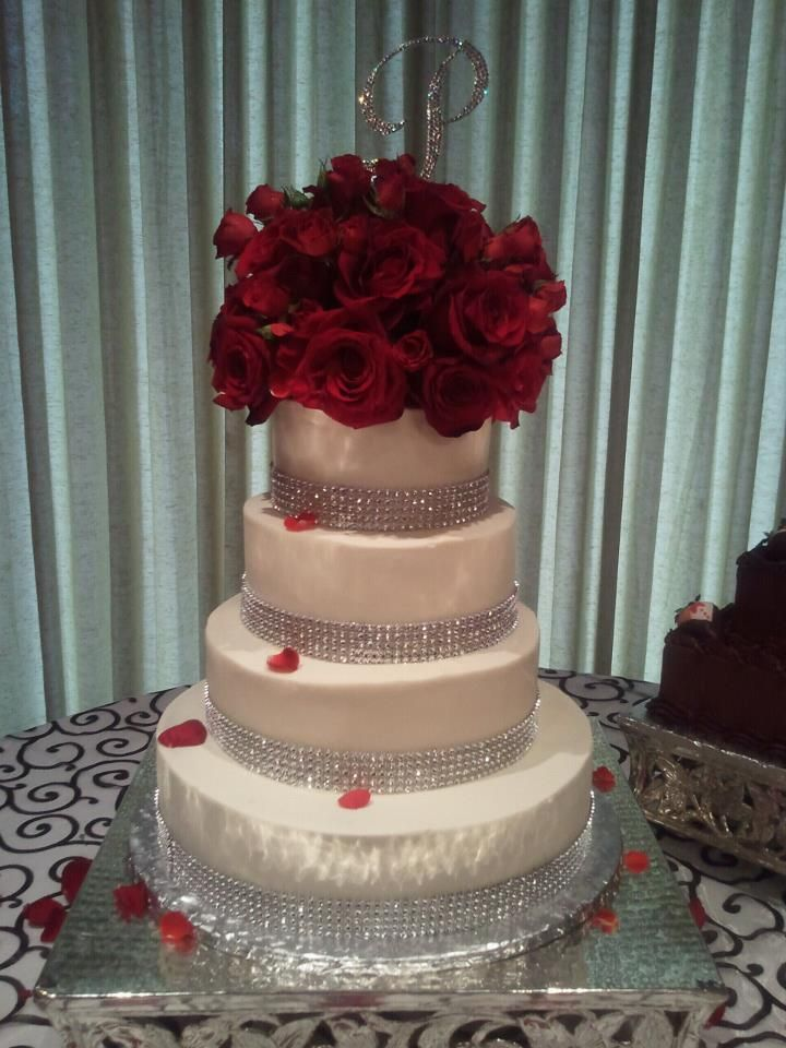 wedding cakes with red roses and bling best 25 bling wedding cakes ideas on scroll 26098