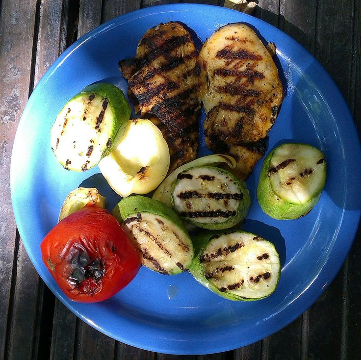 Marinated chicken on grill. Grilled veggies. #foodcoaching #easypeasy, #nomnom